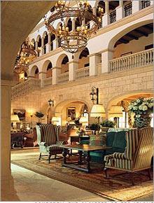 Khách sạn được thiết kế bởi Addison Mizner năm 1928, Cloister đã hấp dẫn được nhiều gia đình và nhiều nhà lãnh đạo nổi tiếng như Calvin Coolidge, Dwight Eisenhower, Margaret Thatcher. Ảnh: CNN