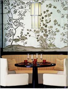 Khách sạn được thiết kế dựa theo phong cách Trung Hoa cổ điển, với những chỉ tiết chạm khắc trên đá hoa cương và những bức vẽ của họa sĩ người Hoa Bo Yun. Ảnh: CNN