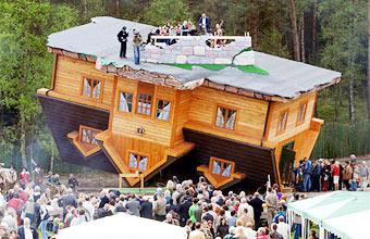 Ngôi nhà đã hấp dẫn hàng nghìn khách du lịch. Ảnh: Daily Mail