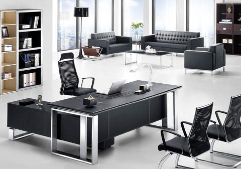 Laminate da ứng dụng trong phòng làm việc vô cùng tinh tế và sang trọng.