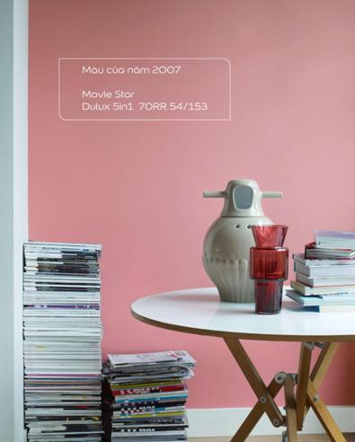 Màu hồng với tên gọi Movie Star đậm chất nam tính thể hiện sự thoáng đạt, thảnh thơi là đại diện cho sắc màu của năm 2007.