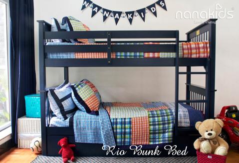 Ngoài việc cung cấp chỗ ngủ ấm cúng, giường tầng còn tạo ra khoảng trống thoải mái cho căn phòng bằng cách giải phóng diện tích sàn, dành nhiều không gian hơn cho góc học tập và vui chơi. Giường tầng Nanakids Rio có thể tách rời thành hai giường đơn và đặc biệt có thể thêm một hộc giường để biến thành giường 3 tầng hoặc sử dụng hộc kéo để làm tủ chứa, tiết kiệm không gian phòng.