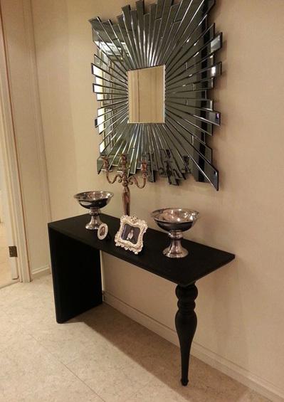 Gương xuất hiện ở khắp nơi trong nhà với nhiều kiểu dáng khác nhau.