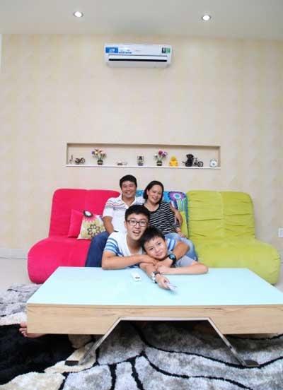 Gia đình anh Cao Anh Huân quyết định thay máy điều hòa Samsung thế hệ mới để vừa làm mát hiệu quả vừa tiết kiệm chi phí sử dụng điện.