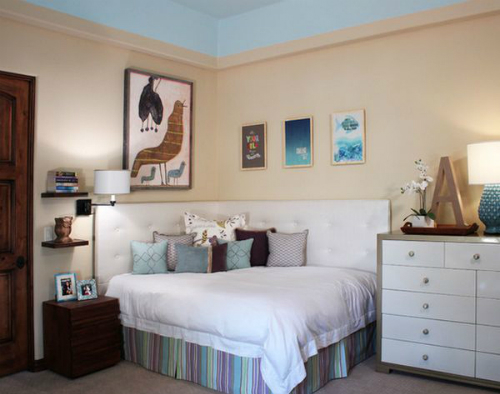 cozy-corner-bed-for-small-spaces_1405307