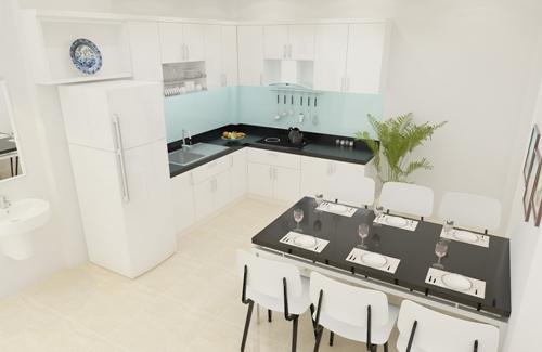 Phòng ăn và bếp sạch sẽ và thoáng đãng.