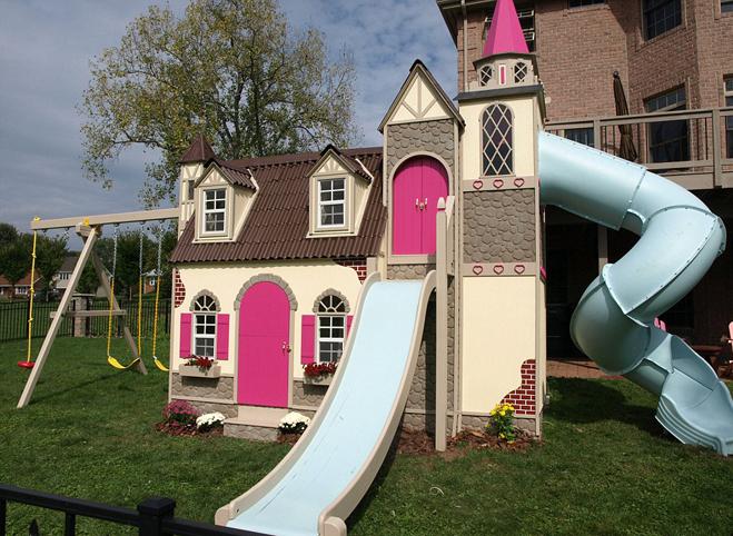 <p> Các gia đình có thể lựa thêm mẫu nhà có cầu trượt, ống trượt cho bé vui chơi.</p>
