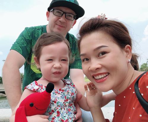 Anh chị và bé Alice hiện sống ở Vũng Tàu.