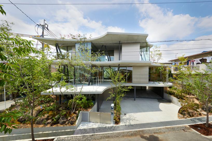 tomohiro hata ground house1 designboom 02 1554263564