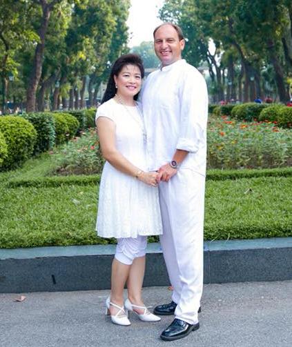 Vợ chồng chị My Nga - anh Tilo vượt qua nhiều khó khăn mới đến được với nhau. Ảnh: NVCC.