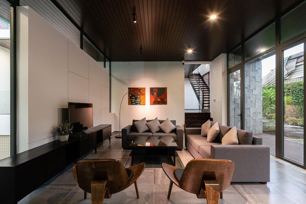Biệt thự 2 tầng hiện đại được xây trên miếng đất 20 m x 40 m tại thành phố Mỹ Tho