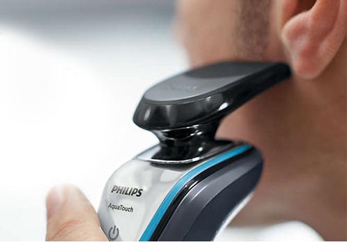 Máy cạo râu khô và ướt Philips S5070 còn có thể cạo được râu ở mép và tóc mai một cách tiện lợi.
