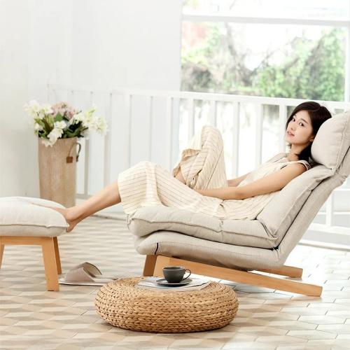 Sofa thư giãn Muji  gồm có một ghế lớn kèm một ghế đôn, khung chân làm từ gỗ sồi. Đệm hai lớp chất liệu sợi bông tự nhiên, khớp gập bền chắc cho khả năng điều chỉnh linh hoạt. Gối tựa đầu cũng có khớp gập để đạt được tư thế nghỉ ngơi thoải mái nhất cho người dùng.  Sản phẩm chất lượng cao, vỏ đệm bằng vải thô màu beige tự nhiên, chống bụi, tạo cảm giác dễ chịu thích hợp trong nhiều điều kiện thời tiết khác nhau.