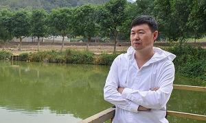 Vợ chồng Trung Quốc mất việc vì sinh con thứ ba
