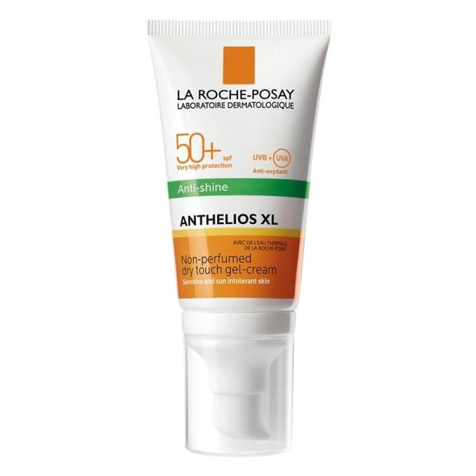 Kem chống nắng không màu La Roche-Posay Anthelios có khả năng kiểm soát dầu nhờn và mồ hôitốt, thích hợp với da dầu và da nhạy cảm. Chỉ số chống nắng SPF 50+, chống được tia UVA, UVB. Sản phẩm có giá 359.000 đồng trên Shop VnExpress.