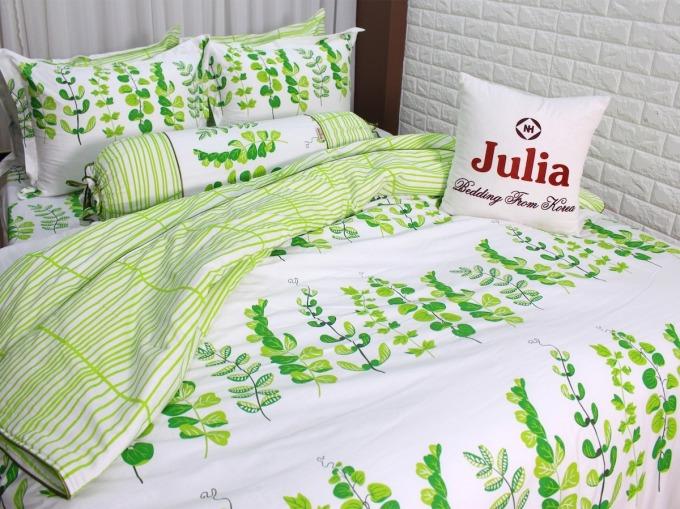 Bộ drap và gối 258BK16 gồm 4 món của Julia làm từ chất liệu 100% cotton sợi bông tự nhiên, không pha nilon, tạp chất. Vải thoáng khí, thấm hút mồ hôi tốt, mềm mại, tạo sử thoải mái cho người nằm, không gây ngứa ngáy. Sản phẩm không đổ lông, lem mau sau nhiều lần giặt, có khả năng kháng khuẩn. Bộ drap có giá 690.000 đồng, giảm 34% so với giá gốc.