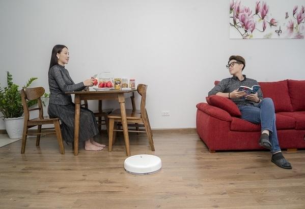 Robot Mi Robot Vacuum-Mop của thương hiệu Xiaomi có chức năng hút bụi và lau nhà.