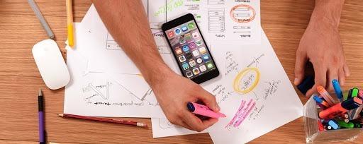 Học cách sắp xếp thứ tự ưu tiên sẽ tạo ra sự khác biệt cho cách bạn làm việc. Ảnh: Psychology Today.