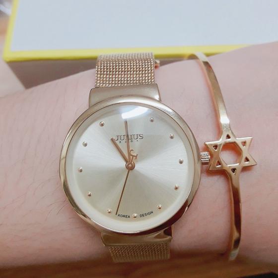 Đồng hồ giảm giá đến 50% kèm quà tặng