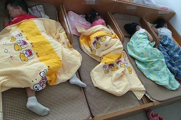 Theo các chuyên gia về trẻ em, giấc ngủ trưa của trẻ chỉ nên kéo dài từ 20 phút tới 30 phút. Ảnh:Aboluowang.