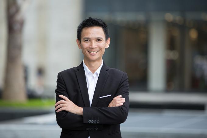 Ngoài việc kinh doanh, Đàm còn mở trường đạo tạo, dạy về công nghệ, kỹ thuật ô tô. Sở hữu một trong những diễn đàn công nghệ và kỹ thuật ô tô lớn của Việt Nam.