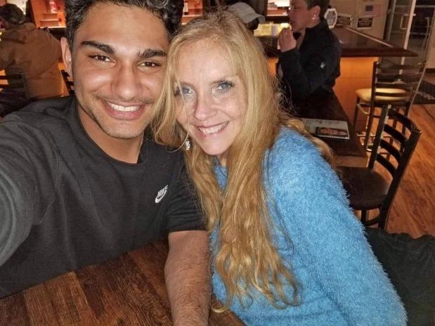Bà Pam và hôn phu đã bên nhau hơn 2 năm. Ảnh: The Sun.