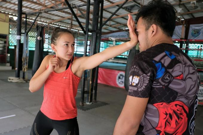 Phụ nữ Thái đổ xô đi học võ