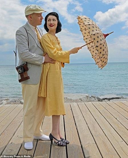 Hai người ở quốc gia khác nhau nhưng yêu nhau vì có niềm đam mê phong cách cổ điển. Ảnh: Mercury Press & Media.