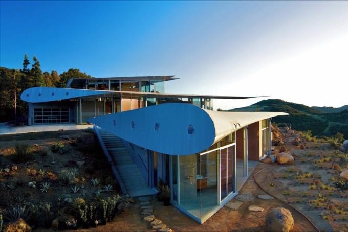 Bên ngoài ngôi nhà. Ảnh: David Hertz Architects.