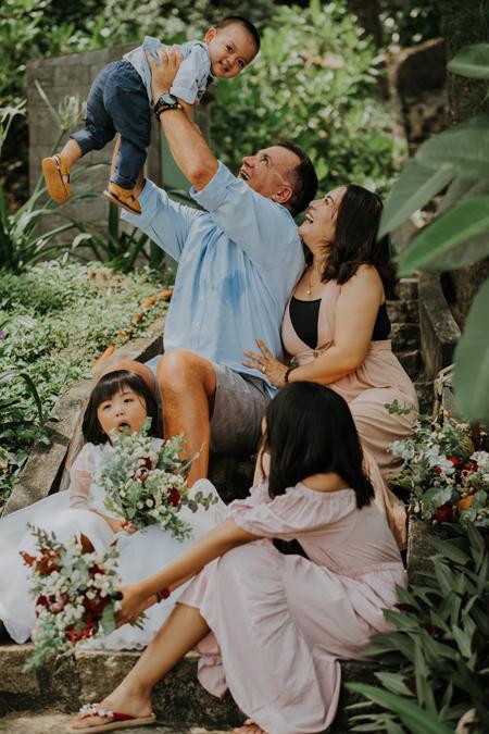 Vợ chồng anh Eric và chị Linh vừa có thêm con trai 2 tuổi. 6 tháng người cha ở nhà là thiên đường với 3 đứa trẻ. Ảnh: Gia đình cung cấp.