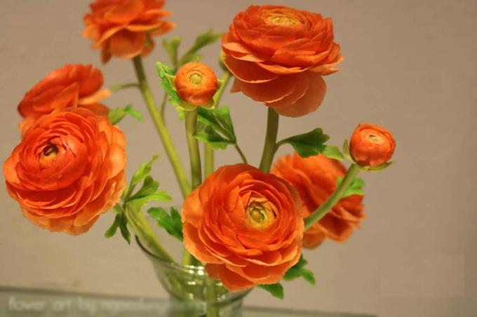 Hoa từ đất sét y như thật của nữ kiến trúc sư