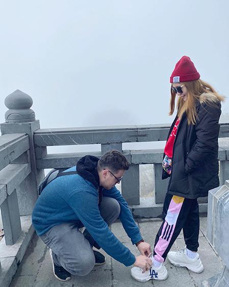 Hải Yến và Anthony đi du lịch Sapa. Hai vợ chồng đều có sở thích đi du lịch. Họ đã cùng nhau đi một số nước châu Á như Hàn Quốc, Nhật Bản, Singapore, Campuchia...