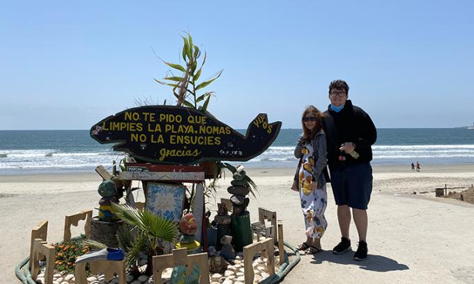Hải Yến và chồng quay lại Mỹ đầu năm 2020. Những ngày nghỉ dịch, họ cùng quay những video làm món ăn Việt, gửi về cho gia đình. Ảnh: Nhân vật cung cấp.