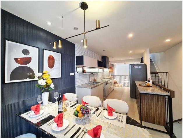 Phòng bếp rộng rãi.