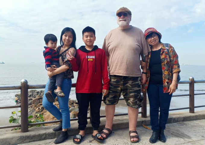 Chuyện tình ở tuổi 70 của người đàn ông Mỹ và vợ Việt