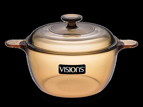 Nồi thủy tinh Visions VS 1.5 giảm 1.184.000đ(-20%)Nồi thuỷ tinh Visions VS-1.5 1,5L (Hổ phách) được làm từ chất liệu gốm thủy tinh có độ bền cao, không chứa các chất độc hại, không gây phản ứng hóa học, đảm bảo an toàn cho sức khỏe người dùng. Chất liệu gốm thủy tinh cao cấp còn có khả năng hấp thu nhiệt tốt hơn, nhiệt lượng sẽ tỏa đều khắp nồi, thức ăn khi nấu sẽ mau chín, giúp tiết kiệm tối đa thời gian và năng lượng sử dụng.- Nồi còn có đặc tính không bám mùi và hạn chế bám bẩn sau khi nấu, giúp bạn dễ dàng vệ sinh và chùi rửa sạch sẽ ngay cả khi chế biến thực phẩm chứa dầu mỡ.- Với kiểu dáng đơn giản kết hợp chất liệu thủy tinh trong suốt, nồi còn giúp bạn dễ dàng quan sát quá trình nấu nướng, bảo đảm thực phẩm không bị trào hoặc cháy khét. Tay cầm được thiết kế cao sát miệng, hạn chế khả năng hấp thu nhiệt, giúp người dùng thuận tiện cầm nắm mà không lo bị bỏng, nóng khi tiếp xúc.- Dung tích nồi 1,5L, lý tưởng để bạn chế biến các món ăn nước như: canh, súp... cho cả gia đình. Bạn cũng có thể dùng nồi để nấu trong lò vi sóng, bếp điện, bếp gas hoặc vệ sinh trong máy rửa chén đều rất an toàn. - Nồi thuỷ tinh Visions VS-1.5 sở hữu thiết kế trơn tinh tế kết hợp sắc màu hổ phách đẹp mắt, góp phần tô điểm thêm vẻ hiện đại và sang trọng cho không gian bếp của gia đình bạn.Bảo hành 10 năm