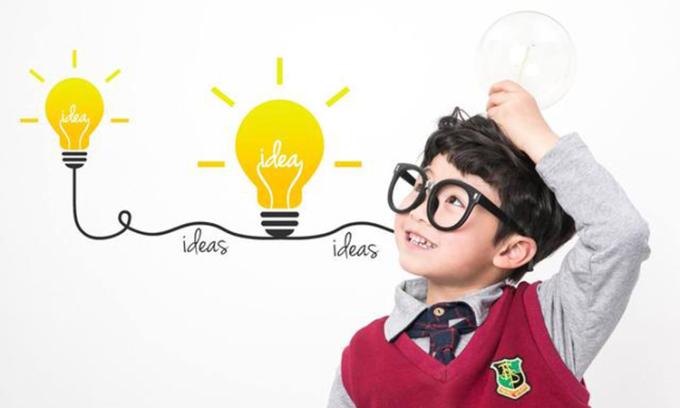 7 năm đầu đời của trẻ cần được chú trọng giáo dục để trẻ có thể tiếp cận thế giới xung quanh đầy đủ nhất. Ảnh: sina.