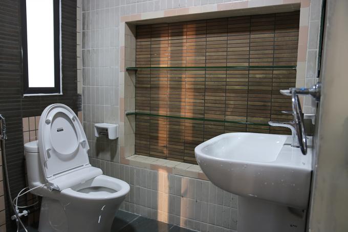 Phòng tắm sau cải tạo của bà Ngô Thị Un.
