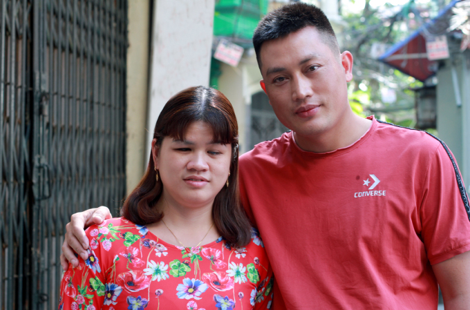 Ms. Dung and Mr. Tuyen.  Photo: Phan Duong.