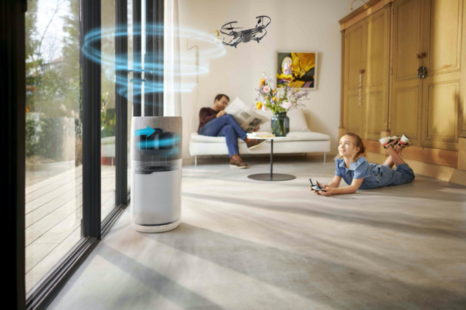 Mang thông điệp công nghệ tiên phong cho không gian trong lành, Philips trang bị cho các dòng máy lọc không khí của mình bộ lọc Philips NanoProtect HEPA cùng khả năng hoạt động 360 độ. Ảnh: Philips.