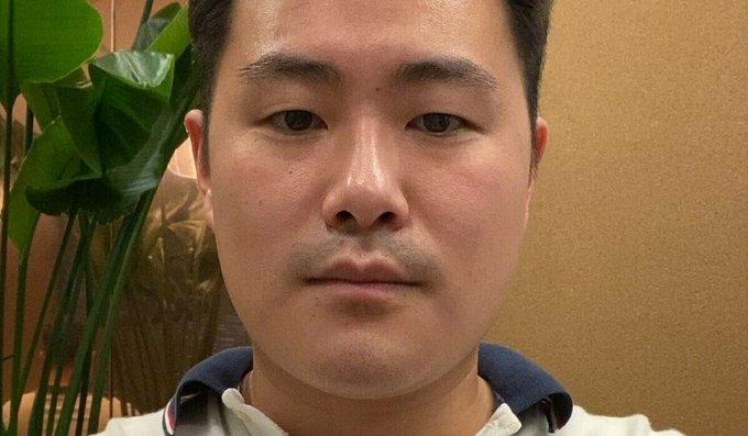Cory Lemke, 29 tuổi - một đứa trẻ được cho làm con nuôi ở Mỹ -  quyết định về Hàn Quốc sinh sống từ năm 22 tuổi. Ảnh: SCMP.