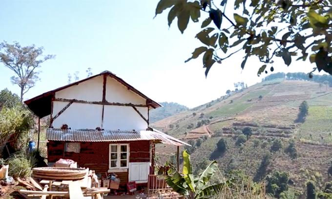 Ngôi nhà được Kiệt và Trang dựng bằng tay trong 5 tháng tại Tà Nung, Đà Lạt. Ảnh: Nhân vật cung cấp