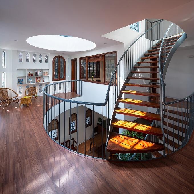 Sàn gỗ thích hợp với nhiều phong cách nội thất. Ảnh: Triệu Chiến.