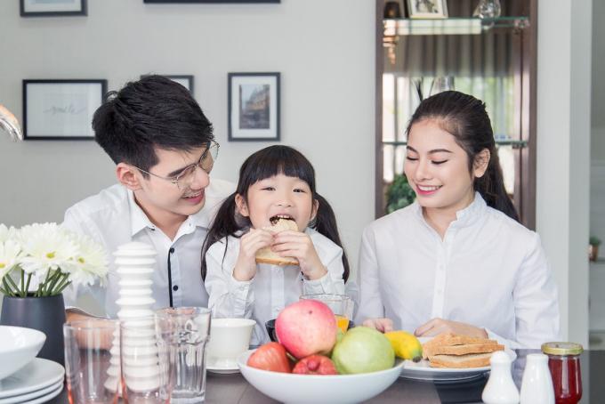 Thói quen ăn uống lành mạnh giúp trẻ khỏe mạnh. Ảnh: Shutterstock.