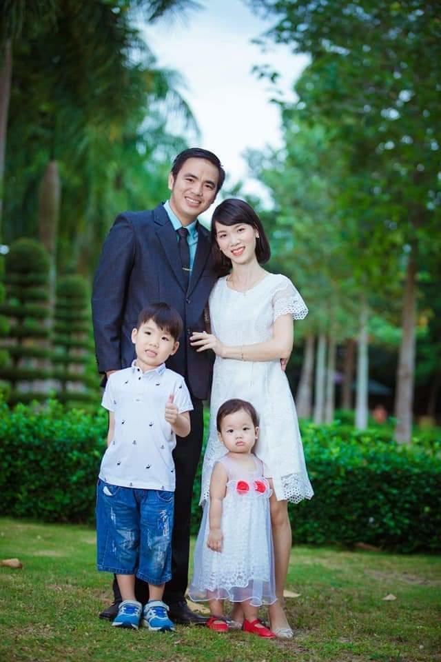 Gia đình anh Trần Tuấn Anh và chị Dương Thị Tròn. Ảnh:Nhân vật cung cấp.