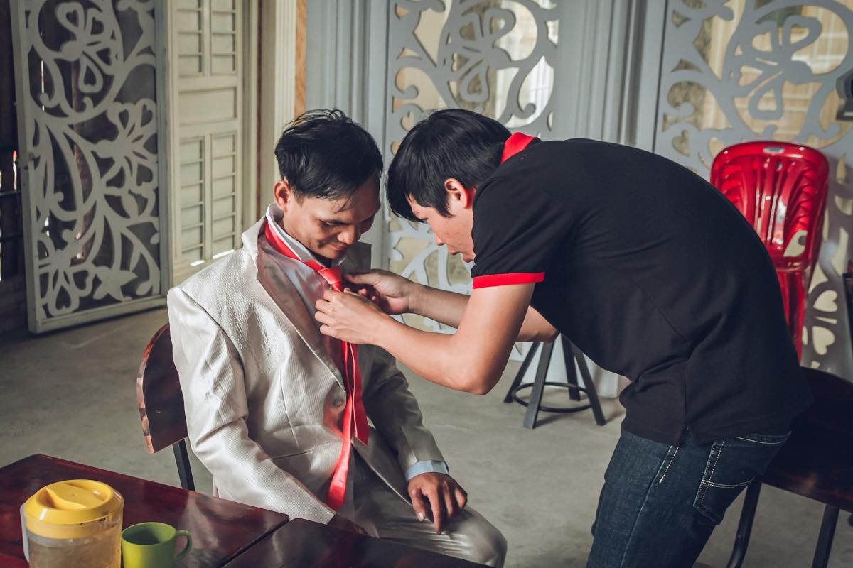 Nhóm chụp hình cưới cho người khuyết tật