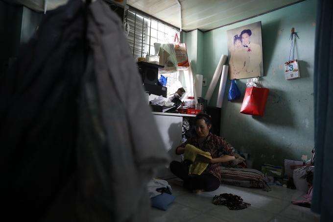 Căn phòng khoảng 7 mét vuông của gia đình bốn người nhà chị Thảo. (Ảnh: Hữu Khoa)