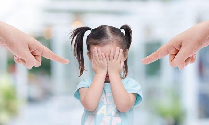 Quát mắng trẻ, đặc biệt là khiển trách lặp đi lặp lại, trẻ sẽ bị tổn thương nghiêm trọng hơn là bị đánh. Ảnh minh họa.