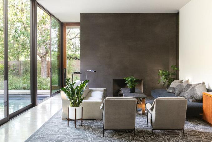 Không gian đơn giản hợp với những loại cây nhiều chi tiết. Ảnh: La Résidence by Leon & George.