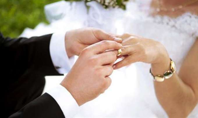 Hôn nhân là một mối quan hệ thân mật, trong đó hai đối tác hỗ trợ lẫn nhau. Ảnh: shutterstocks.